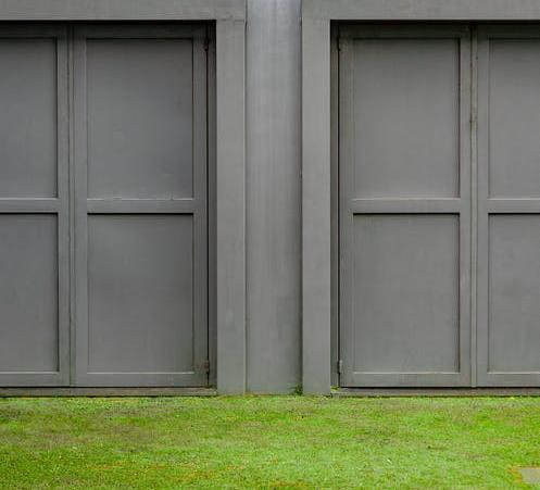 5 Factors That Affect Your Garage Door Quote