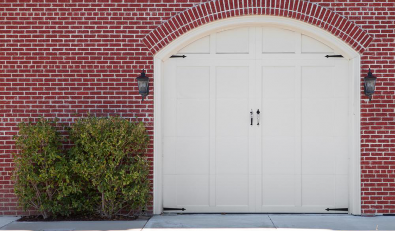 Questions To Ask Before Investing In A Garage Door