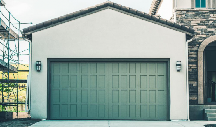 How To Stay Safe When Using Your Garage Doors
